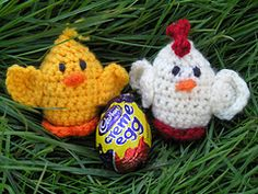 Creme Egg Creatures - Pattern saved in crochet patterns Easter Crochet Patterns, Crochet Basket Pattern, Amigurumi Patterns, Knitting Patterns, Knitting Ideas, Cute Crochet, Crochet Crafts, Crochet Yarn, Crochet Projects
