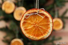 Ozdoby choinkowe z pomarańczy. Christmas decorations with orange. www.marciatime.pl