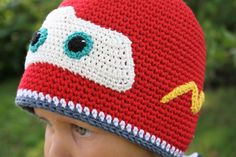 You will get a soft and comfy hat when using a yarn made of mixtures of cotton. In addition to that you need to crochet 7 applications. The hat made according to this pattern fits the head approx 49-51 cm. You will get a smaller or larger hat when increasing or decreasing the number of …
