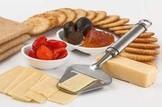 Get your free Wisconsin cheese guide and become a cheese expert. Get buying tips, storing guidelines, and learn how to serve a Wisconsin Cheese Course. Weight Loss Tea, Weight Loss Snacks, Lose Weight, Healthy Soup Recipes, Healthy Snacks, Vegan Recipes, Eat Healthy, Healthy Living, Proper Nutrition