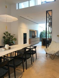 Townhouse Designs, Apartment Dining Room, Modern Townhouse, House Extension Design, Modern Houses Interior, Townhouse Decorating, Modern Townhouse Interior, Townhouse Interior, Modern Scandinavian Interior