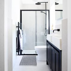 A small bathroom can look stylish and feel spacious whilst being perfectly practical. Here are our small bathroom ideas to help make your space feel bigger. Small Narrow Bathroom, Small Bathroom Layout, Small Bathroom Ideas Uk, Bathroom Inspo, Tranquil Bathroom, Small Shower Room, Bathroom Interior Design, B & B, Design Ideas