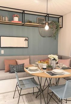 small dining room decor Attention-grabbing: Your G - roomdecor Dining Room Lamps, Chandelier In Living Room, Dining Room Design, Dining Tables, Small Dining Rooms, Dining Room Shelves, Dining Room Colors, Mid Century Modern Dining Room, Mid Century Modern Design