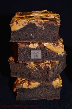 CAIETUL CU RETETE Romanian Desserts, Sweets Recipes, Brownies, Gluten Free, Food, House, Ideas, Cake Brownies, Glutenfree