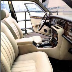 1986 Jaguar Maintenance/restoration of old/vintage vehicles: the material… Jaguar Daimler, Car Interior Design, Jaguar Land Rover, Car Brands, Motor Car, Vintage Cars, Cool Cars, Dream Cars, Super Cars