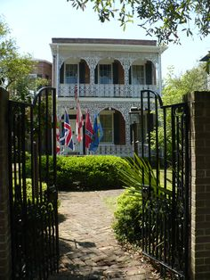 Mobile AL - Historical bldg showing the five flags of Mobile