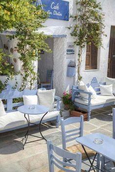 Outdoor Spaces, Outdoor Living, Outdoor Decor, Greek Garden, Greek Decor, Greek Restaurants, Greek House, Greek Islands, Porches