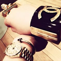 gold accessories- that watch is so cute