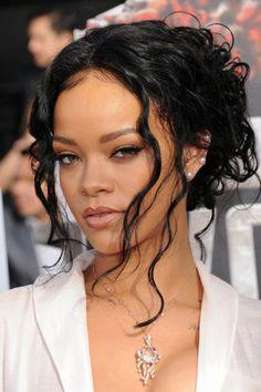 ▷ Ideas for Rihanna Hairstyles for Admiring and Imitation - . - ▷ Ideas for Rihanna Hairstyles for Admiring and Imitation – … - Rhianna Hairstyles, Cute Hairstyles, Wedding Hairstyles, Black Hairstyles, Hairstyle Pictures, Hairstyle Short, Rihanna Makeup, Rihanna Riri, Rihanna Song