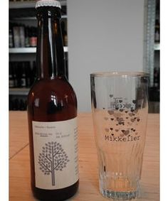 Cerveja Mikkeller + Bedow Wild Winter Ale, estilo American Wild Ale, produzida por Mikkeller, Dinamarca. 6% ABV de álcool.