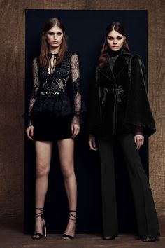 The complete Zuhair Murad Pre-Fall 2018 fashion show now on Vogue Runway.