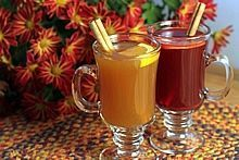 Spiced Hot Drink Mix--for cider juice cocoa wine coffee or tea. Mix a single cup or a big batch on th stove or in the crock pot. Hot Spiced Cider, Spiced Wine, Spicy Drinks, Yummy Drinks, Cranberry Juice Cocktail, Cranberry Wine, Jamie Oliver, Spice Mixes, Mixed Drinks