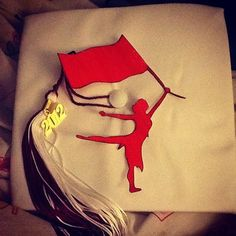 I wish my school did this with graduation caps! it would be so cool!