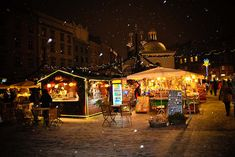 krakow  poland  at  christmas | The market square in Krakow, Poland | Trip and Travel Blog