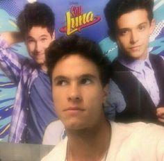 New Disney Channel Shows, Spanish Tv Shows, Son Luna, Singing, Best Friends, People, Celebs, Guy Best Friend, Bffs