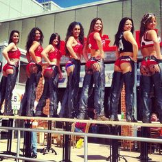 Join these buckle bunnies here at PBR tonight!
