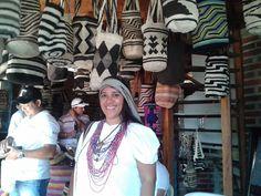 La Indígena  Kankuama Xindy Sonesta, de modelo en el recorrido por Atanquez, en el reconocimiento de sitios de interés turístico. Preparando a nuestra gente para que puedan promocionar a Valledupar como destino turístico.