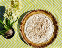 Francouzský citronový koláč se sněhem - TARTE AU CITRON MÉRINGUÉE - Ochutnejte svět Recipe Images, Meringue, Pie, Treats, Desserts, Food, Fine Dining, Merengue, Torte
