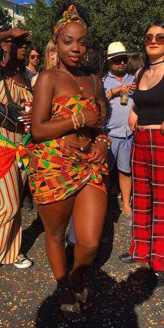 African Fashion – Designer Fashion Tips African Dresses For Women, African Fashion Dresses, African Attire, African Wear, African Women, African Style, Black Women Art, Beautiful Black Women, African Print Fashion
