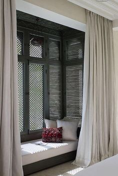 We have 27 ideas how you can design your window seat. Home Interior Design, Interior And Exterior, Interior Decorating, Decorating Ideas, Luxury Interior, Decor Ideas, Middle Eastern Decor, Moroccan Home Decor, Moroccan Style