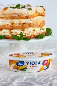 Ihana Mango-passion Britakakku - Suklaapossu Pesco Vegetarian, Finnish Recipes, Good Food, Yummy Food, Just Eat It, Pastry Cake, Let Them Eat Cake, Yummy Cakes, Food Inspiration