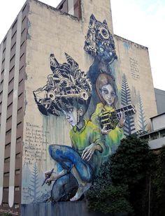 Herakut & M-City - Street Art - Collaboration on a large mural in Sao Paulo, Brazil 3d Street Art, Street Art News, Amazing Street Art, Street Artists, Amazing Art, Graffiti Art, Illusion, Reverse Graffiti, Urbane Kunst