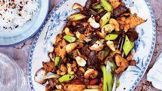 Cashew Chicken, Thai Chicken, Kung Pao Chicken, Thai Recipes, Sauce Recipes, Chicken Recipes, Choi Sum Recipe, Mongolian Beef Recipes, Chicken Chow Mein