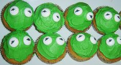 Kermit the Frog cupcakes for a Muppet's party Baby Birthday, First Birthday Parties, Birthday Party Themes, Frog Cupcakes, Themed Cupcakes, Sesame Street Muppets, Frog Theme, Muppet Babies, Bday Girl