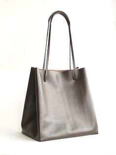 Minimalist Italian leather drawstring tote, designed to be simple & neutral for everyday use (Adjustable handle / strap) * Free shipping WW
