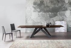 big-table-filly-up-n-b.jpg (3000×2021)