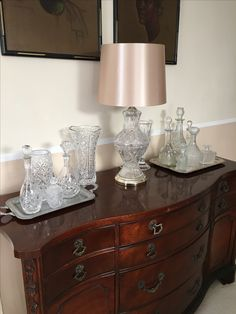 Buffett with crystal lamp and crystal decanters