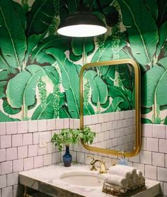 Home Decorating Style 2020 for 40 Lovely Jungle Bathroom Design Ideas, you can see 40 Lovely Jungle Bathroom Design Ideas and more pictures for Home Interior Designing 2020 2758 at Home To. Palm Wallpaper, Print Wallpaper, Wallpaper Ideas, Bathroom Wallpaper Pink, Tropical Wallpaper, Wall Paper Bathroom, Pink And Green Wallpaper, Funky Wallpaper, Botanical Wallpaper