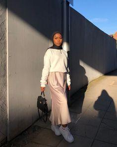 Modern Hijab Fashion, Muslim Women Fashion, Street Hijab Fashion, Modesty Fashion, Hijab Fashion Inspiration, Look Fashion, Fashion Outfits, Cute Casual Outfits, Streetwear Fashion