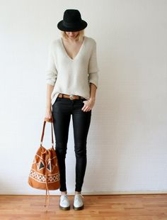 OUTFIT / KNITTED