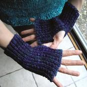 simple finger-free mitts - via @Craftsy