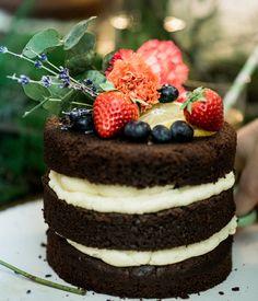 Fertiger Naked Cake | Foto: Zuzu Birkhof