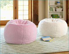 Eine gemütliche Atmosphäre Zuhause schaffen! Dann können Sie einen individuellen Sitzsack selber machen! Hier finden Sie die Anleitung!