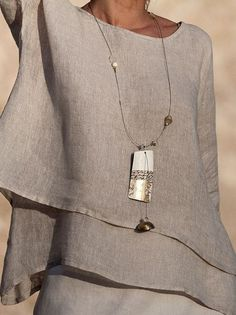 Mode Chic, Mode Style, Style Me, Long Pendant Necklace, Linen Dresses, Mode Outfits, Ideias Fashion, Womens Fashion, Fashion Trends
