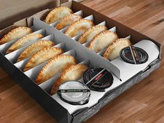 Food To Go, Good Food, Food And Drink, Cafe Food, Food Menu, Puff And Pie, Food Photography Tips, Food Packaging Design, Gastronomia