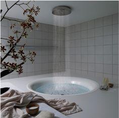 Baignoire ronde avec douche effet pluie