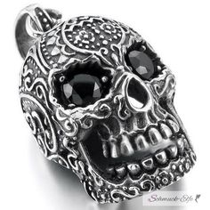 Anhänger Totenkopf Skull mit schwarzen Zirkonia Augen aus 316L