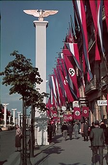 State visit of prince regent Paul of Yugoslavia in Berlin, Juni The street 'Unter den Linden' decorated with banners and state symbols. Nazi Propaganda, Kaiser Wilhelm, Germany Ww2, The Third Reich, German Army, Roman Empire, Military History, World History, World War Two