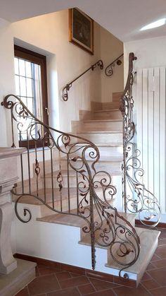 125 fantastiche immagini su cancelli in ferro battuto for Decorazioni per scale interne
