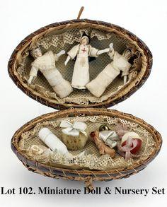Miniature Doll & Nursery Set : Lot 102
