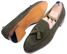 Meermin - Olive Loafers .... Stylish