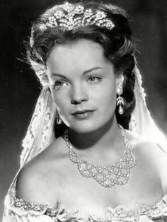 Romy like Sissi Romy Schneider, Impératrice Sissi, Empress Sissi, Physical Comedy, Biological Father, Delon, Actrices Hollywood, French Actress, High Society