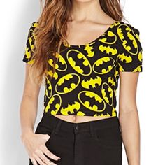 Batman Crop Top Black and Yellow (Batman) crop top from Forever 21. U-Neck. Short sleeve. Same shape in the back as it is for the neck line Forever 21 Tops Crop Tops