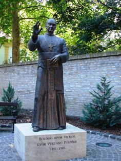 Apor Vilmos püspök Garden Sculpture, Buddha, Statue, Outdoor Decor, Home Decor, Decoration Home, Room Decor, Home Interior Design, Sculptures