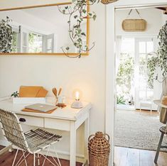 This office space is so inspiring + calm. Total office envy! #office #homeoffice #home #homedecor #homedecorideas