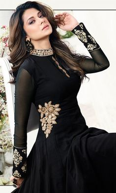 Shop Black Designer Floor Length Anarkali Suit online (SKU Code : at Ishimaya. Latest party Long Frock Suit, Anarkali Dress New Design, Anarkali Dress Designs, Latest Anarkali Dress online. Jennifer Winget, Indian Gowns Dresses, Pakistani Dresses, Indian Designer Outfits, Designer Dresses, Green Color Combination Dresses, New Dress Collection, Classy Suits, Dress Indian Style
